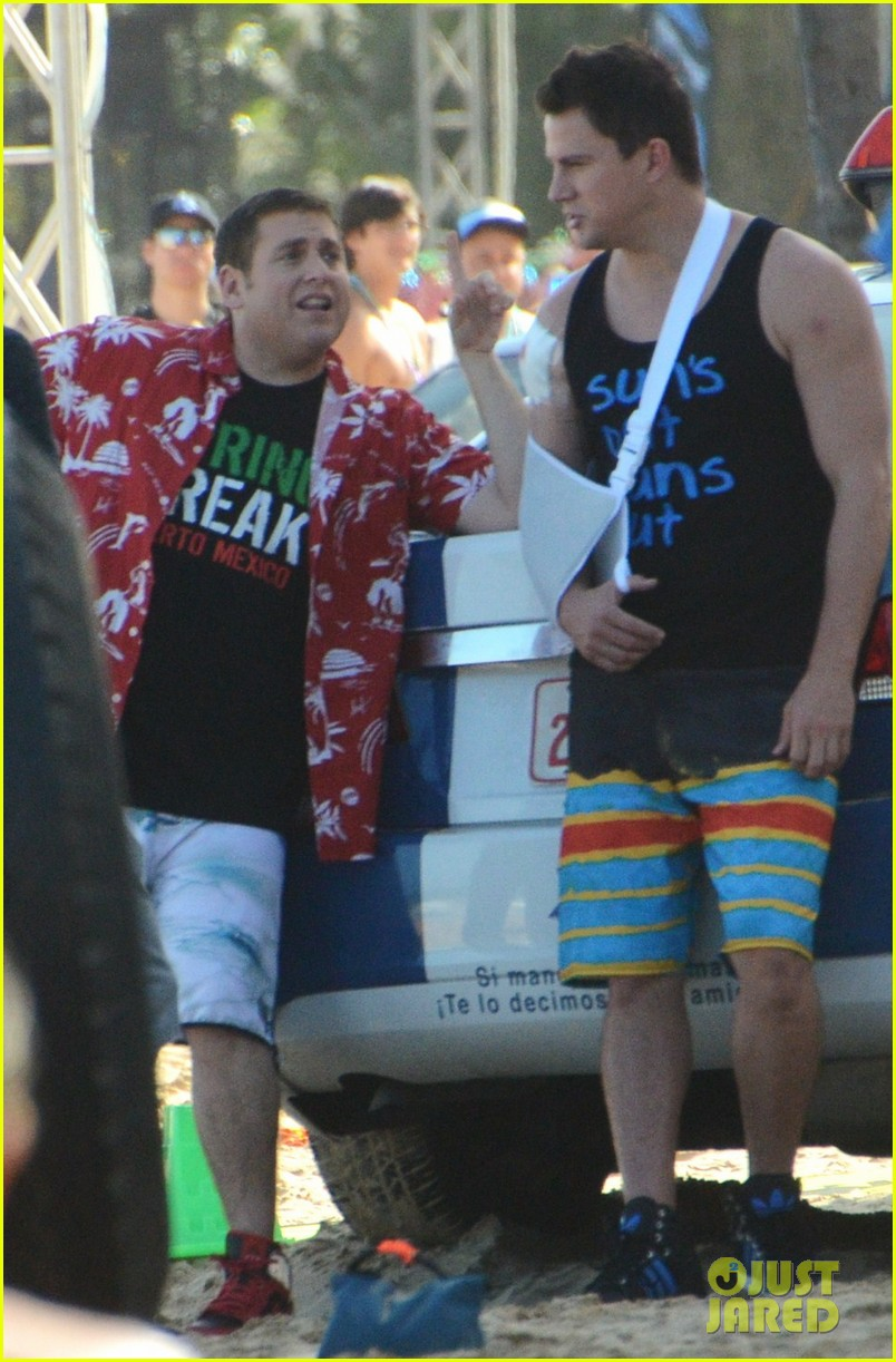 channing tatum sports arm sling wounded bicep for 22 jump street 053009040