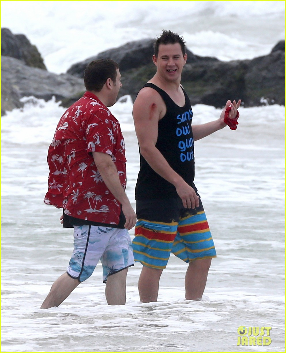channing tatum gives jonah hill big hug for 22 jump street 043010606