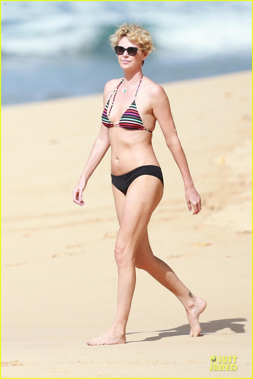 charlize theron colorful hawaiian bikini babe 013020225
