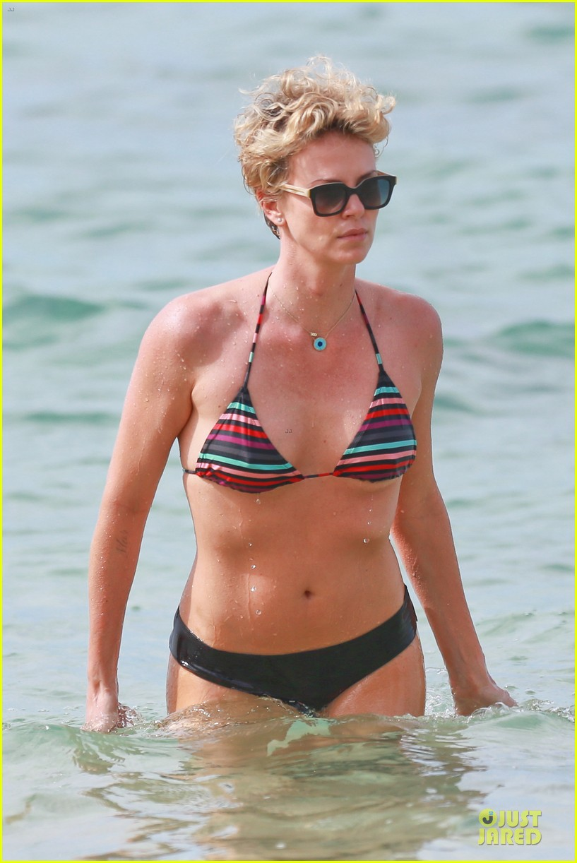 charlize theron colorful hawaiian bikini babe 10