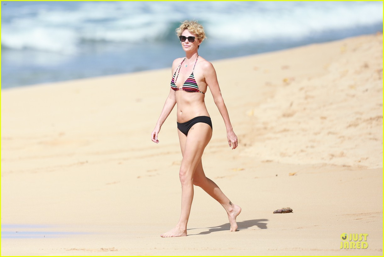 charlize theron colorful hawaiian bikini babe 133020237