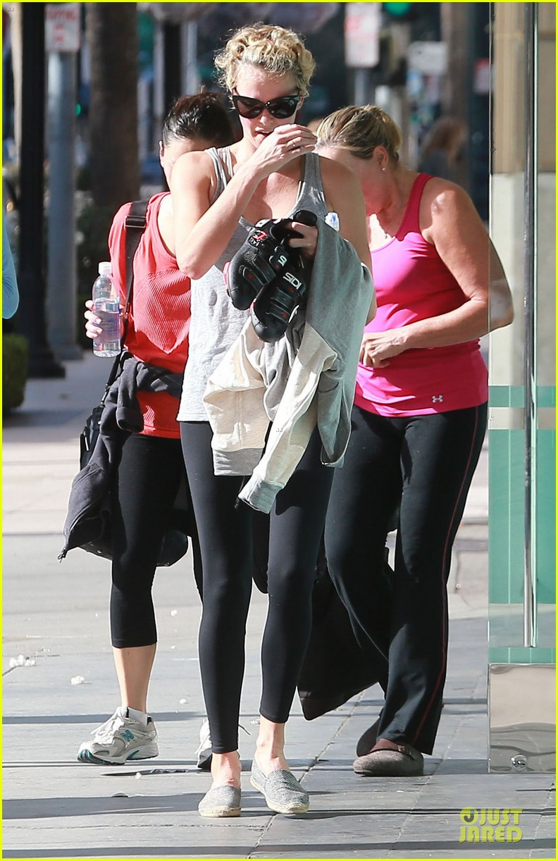 charlize theron workout after nelson mandela memorial 073012463