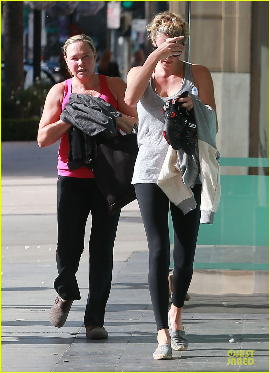 charlize theron workout after nelson mandela memorial 093012465