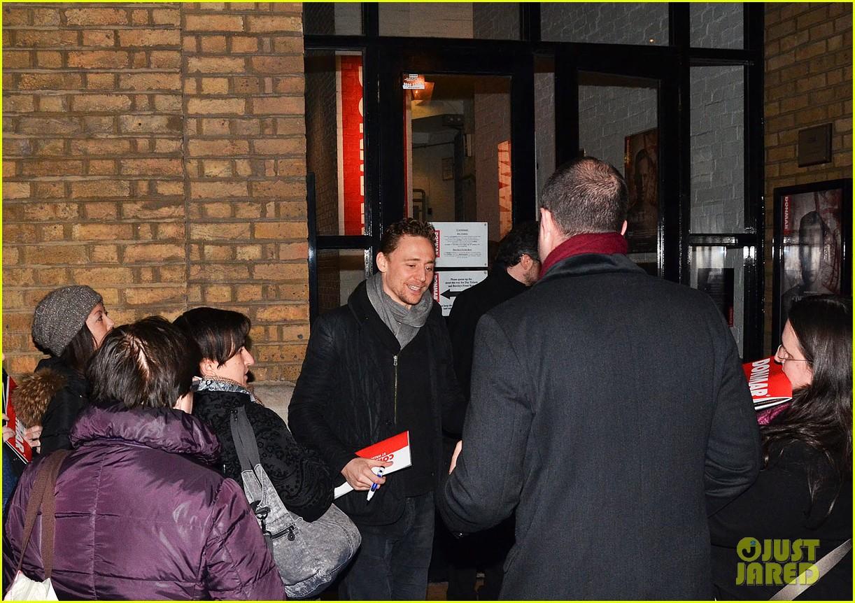 tom hiddleston watch psa to help syrian children 163011249