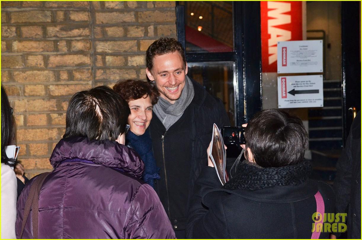 tom hiddleston watch psa to help syrian children 193011252