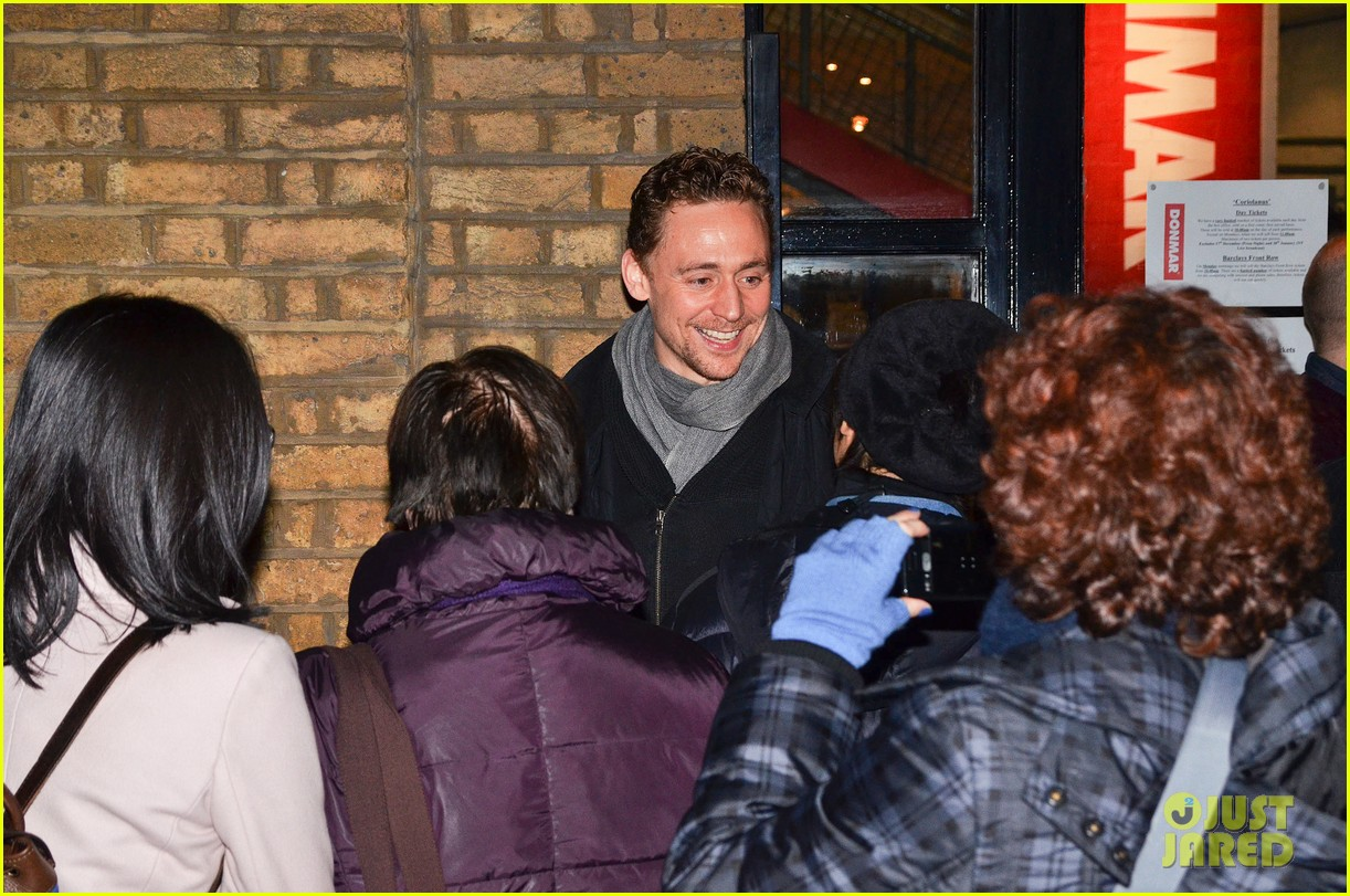 tom hiddleston watch psa to help syrian children 213011254