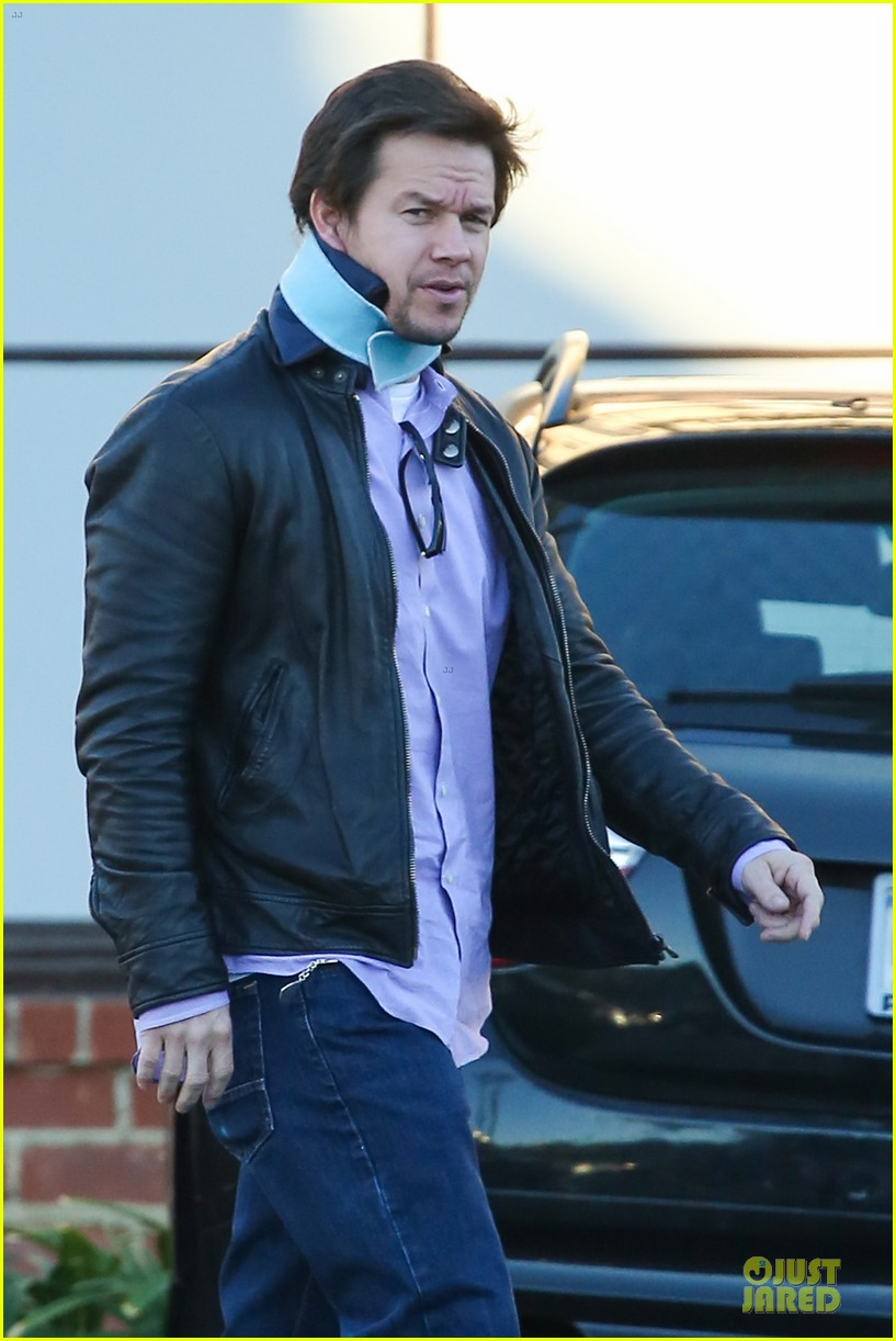 mark wahlberg wears neck brace for mall shopping trip 043010395