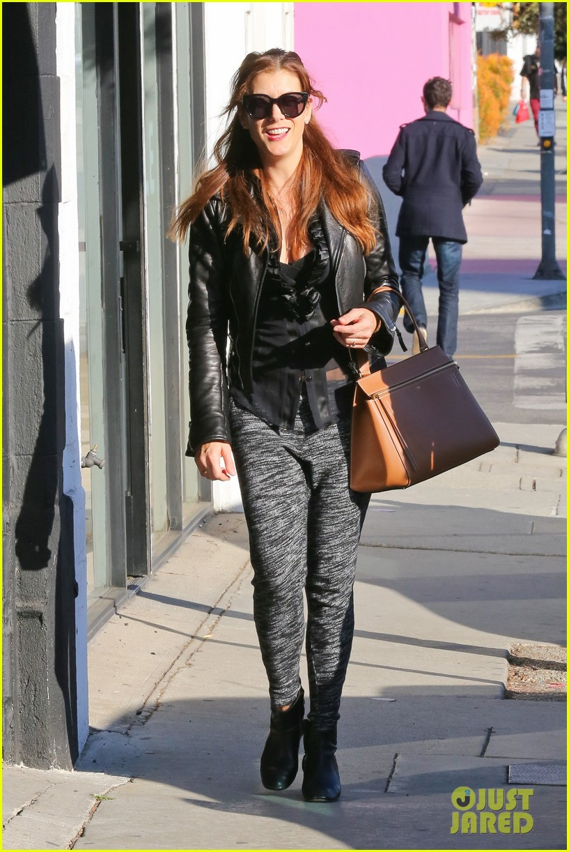 kate walsh shops for holiday presents on melrose 113006276