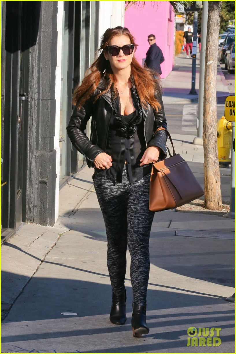 kate walsh shops for holiday presents on melrose 133006278