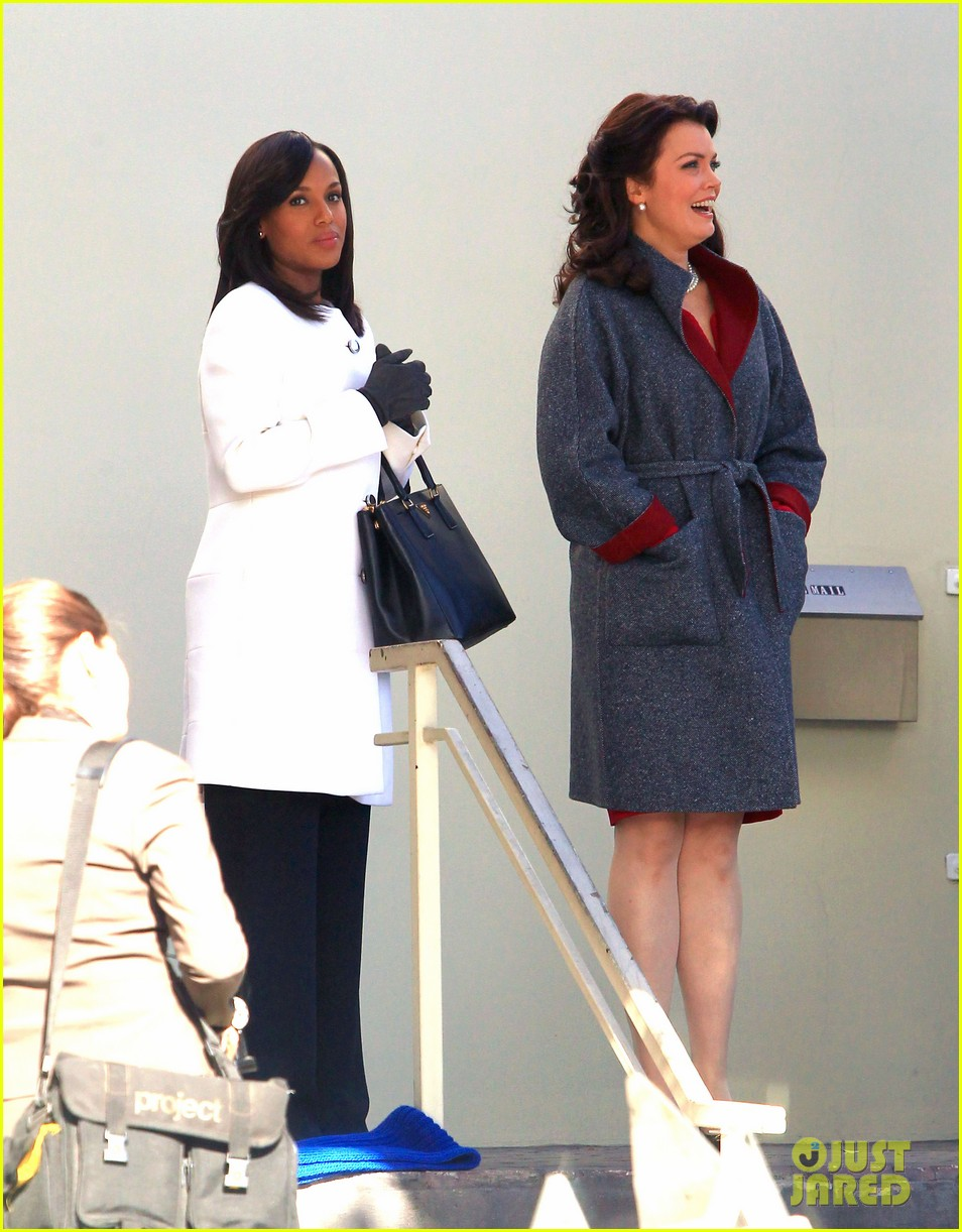 kerry washington bellamy young side by side for scandal filming 103008960