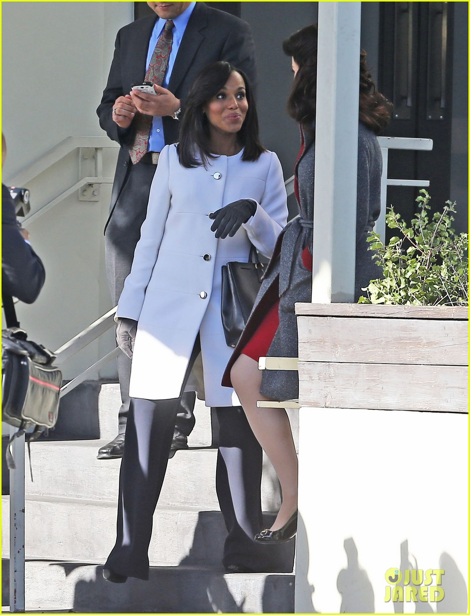 kerry washington bellamy young side by side for scandal filming 173008967