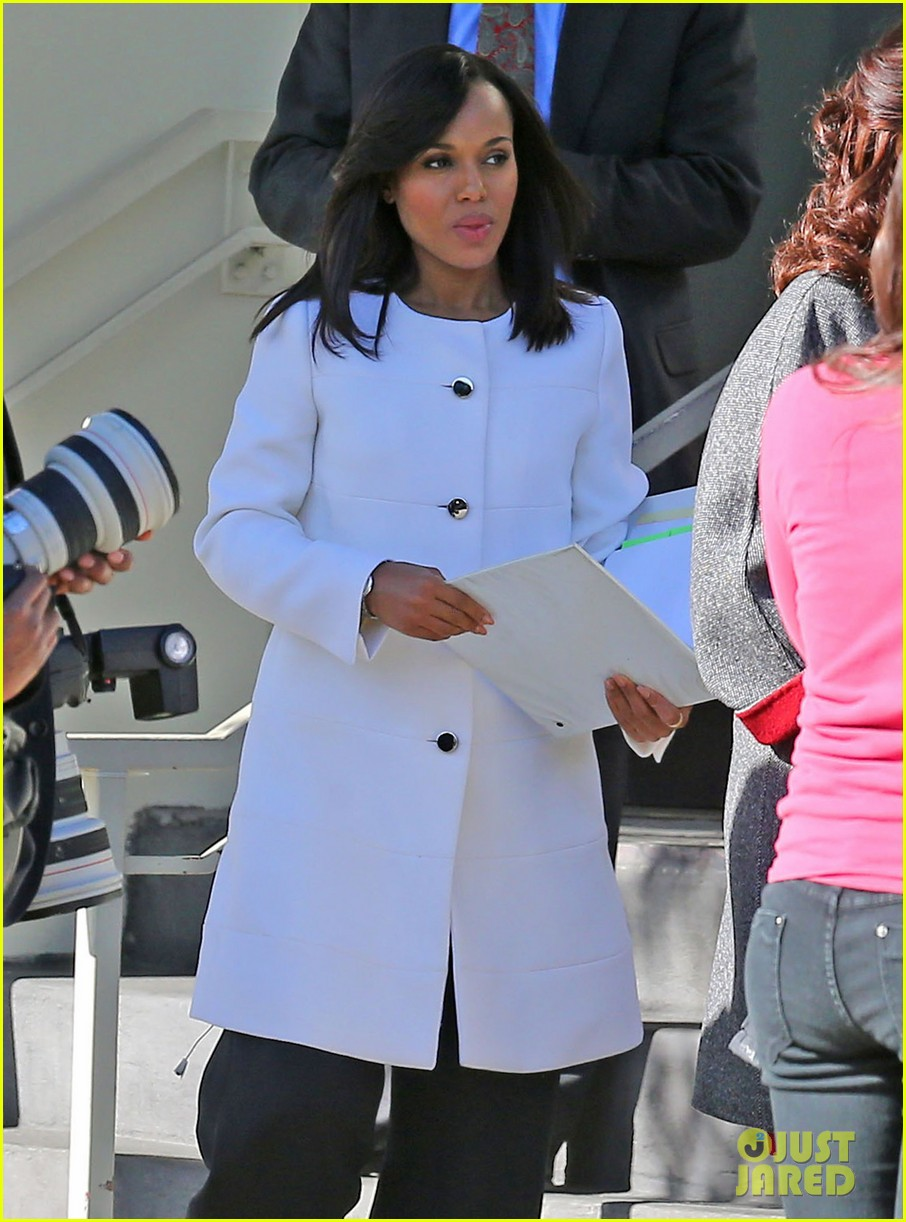 kerry washington bellamy young side by side for scandal filming 213008971