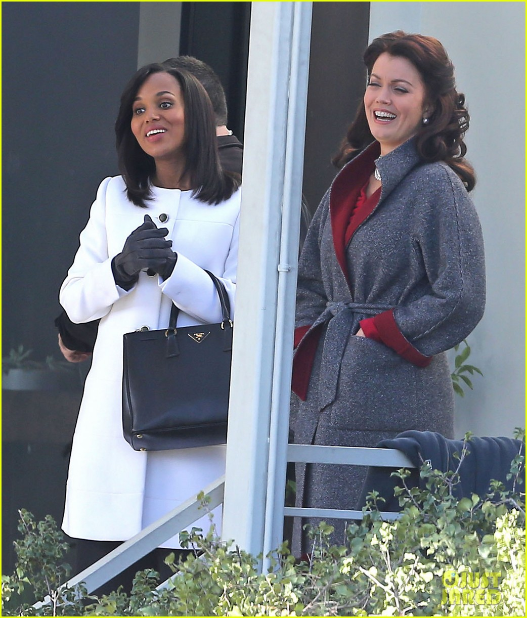 kerry washington bellamy young side by side for scandal filming 243008974