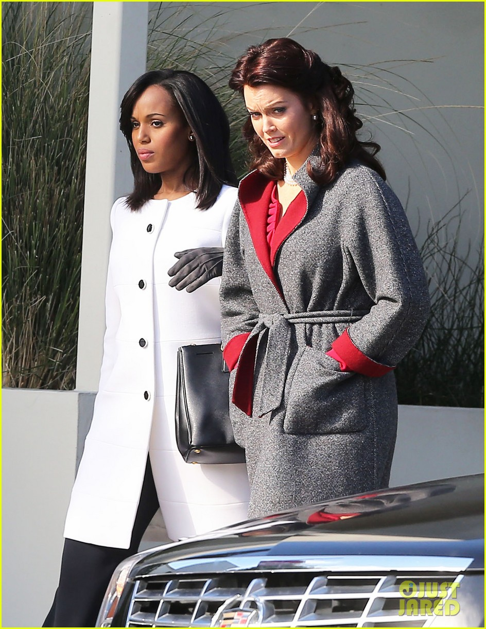 kerry washington bellamy young side by side for scandal filming 273008977