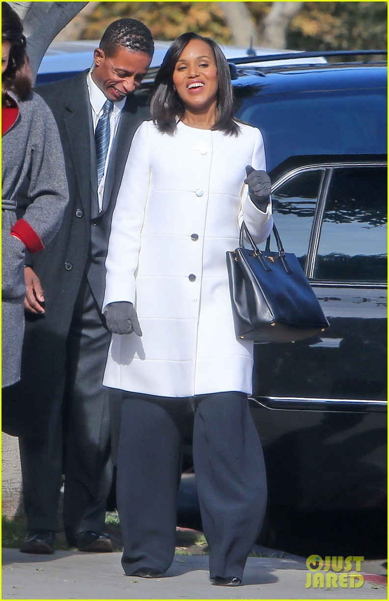 kerry washington bellamy young side by side for scandal filming 303008980