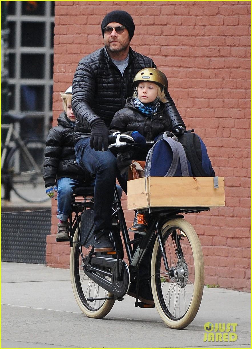 naomi watts takes subway while her boys bike to school 103004265