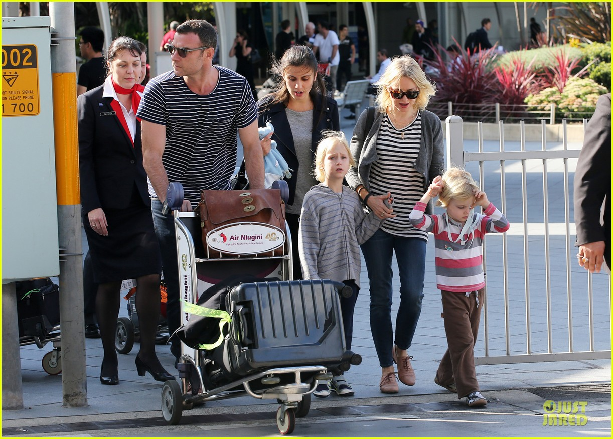 naomi watts liev schreiber holidays in sydney with the boys 233012145