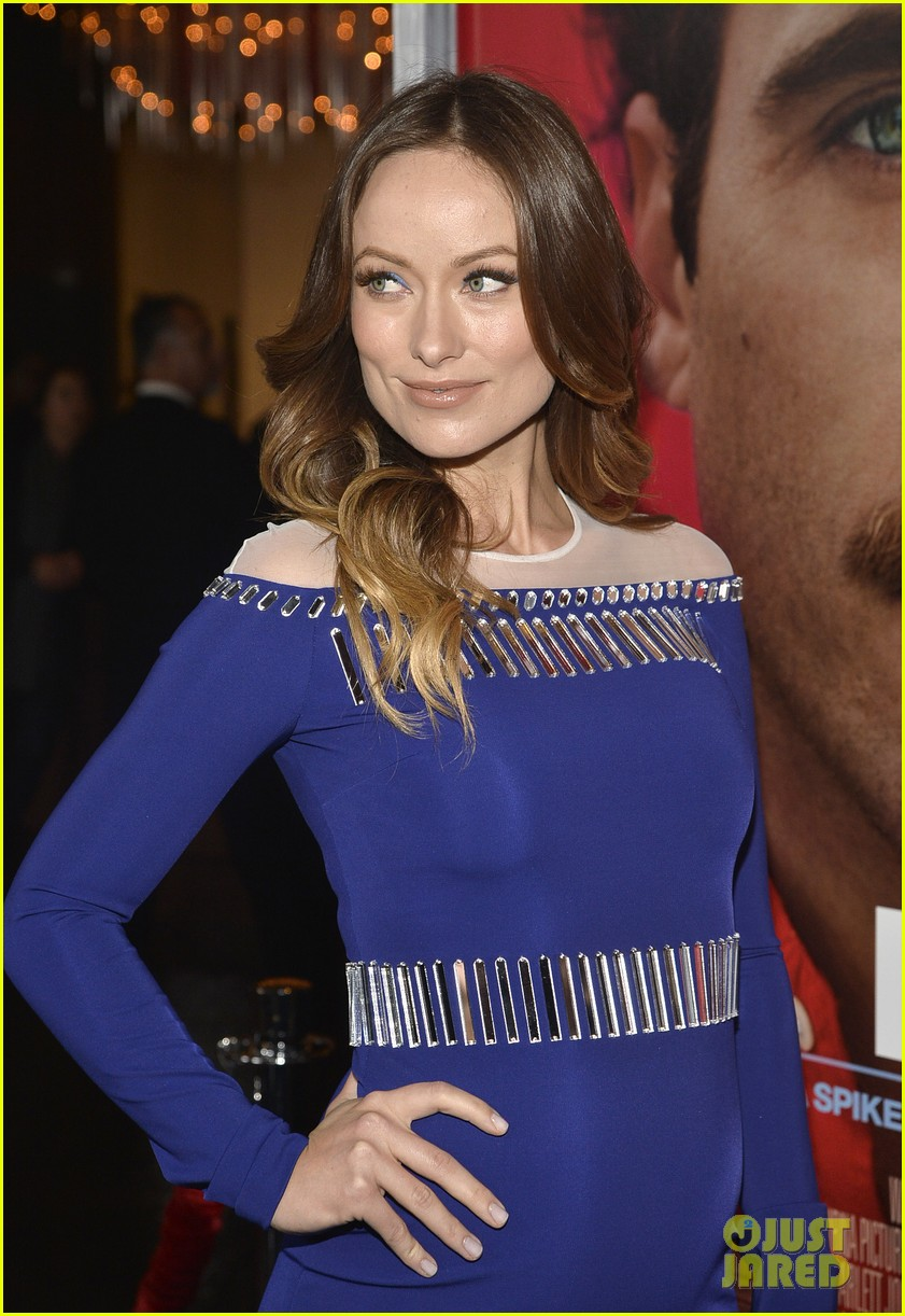 olivia wilde embraces her tiny baby bump at her premiere 073011025