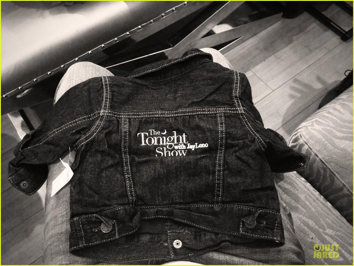oliviia wilde i stole a jay leno jacket for my fetus 053014035