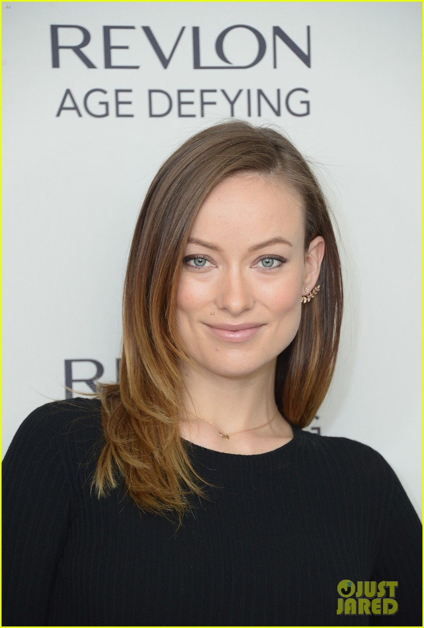 olivia wilde revlon event date night with jason sudeikis 083009767