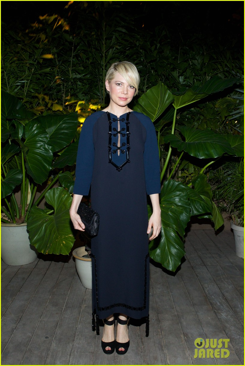 michelle williams celebrates art basel with louis vuitton 073006585