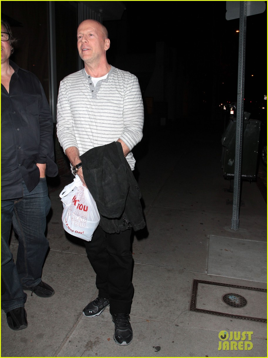 bruce willis dines with red producer after baby news 053014922