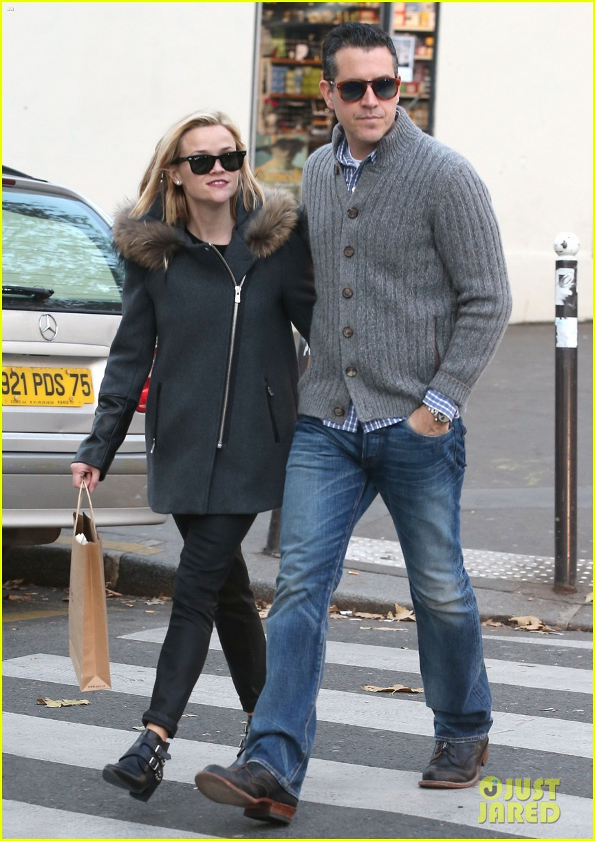 reese witherspoon jim toth go shopping in paris 053008419
