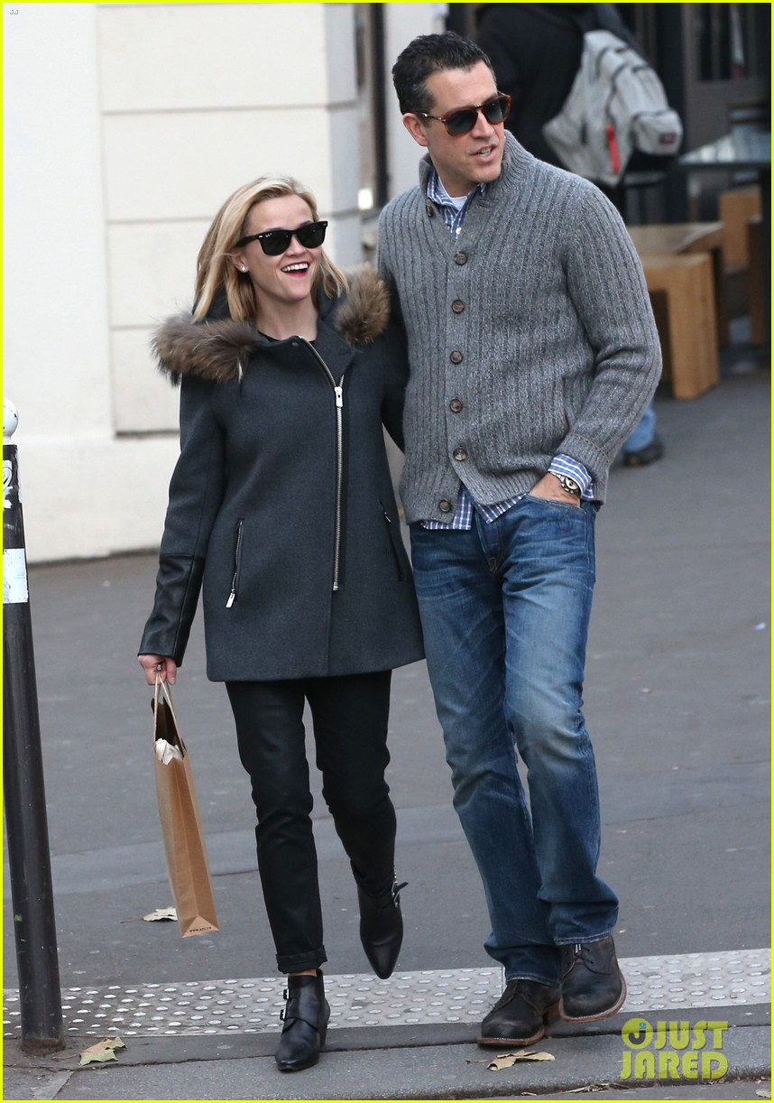 reese witherspoon jim toth go shopping in paris 073008421