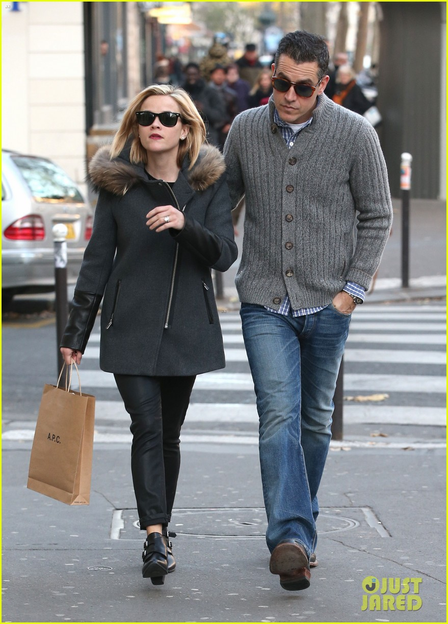 reese witherspoon jim toth go shopping in paris 133008427
