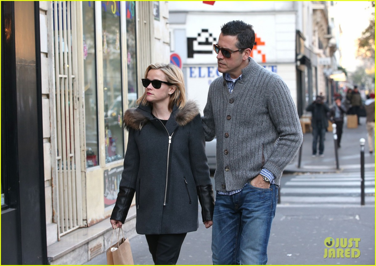 reese witherspoon jim toth go shopping in paris 173008431