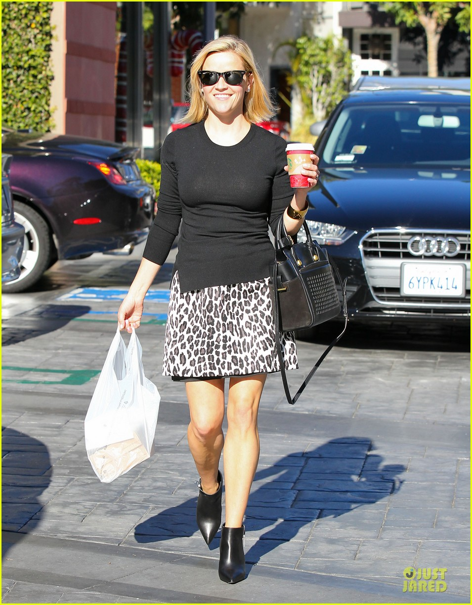 reese witherspoon wild lunch before christmas 013016737