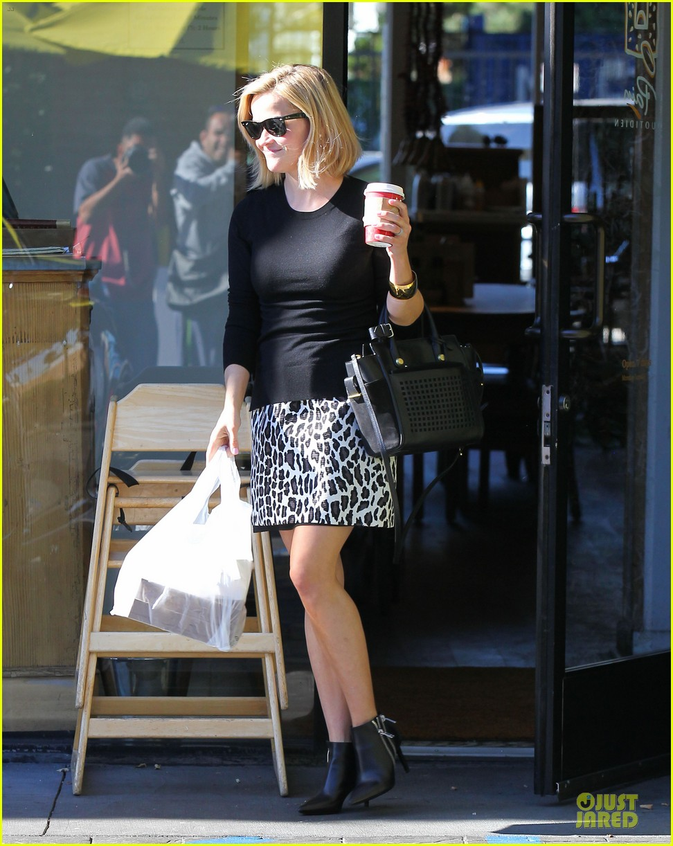 reese witherspoon wild lunch before christmas 033016739
