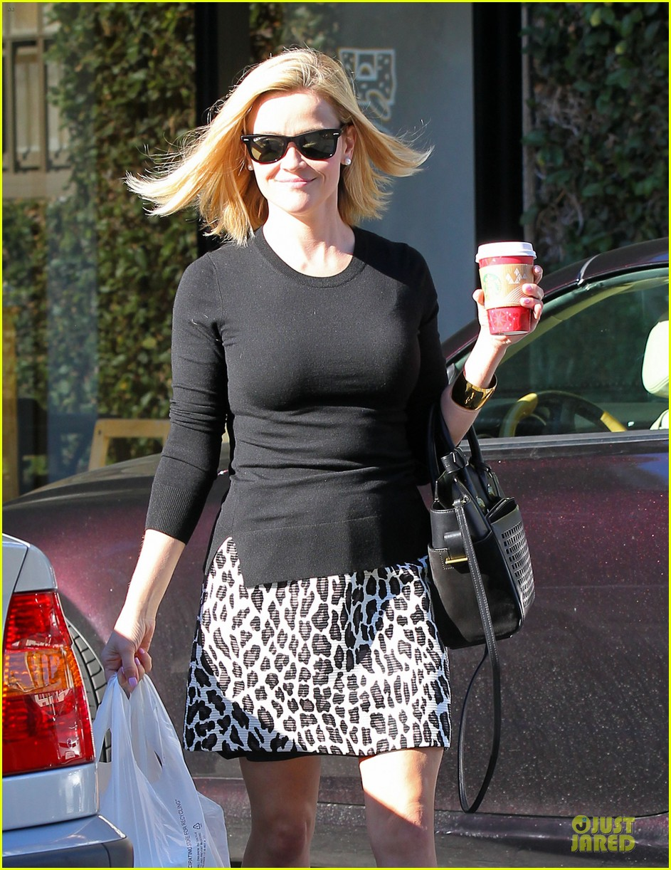 reese witherspoon wild lunch before christmas 043016740