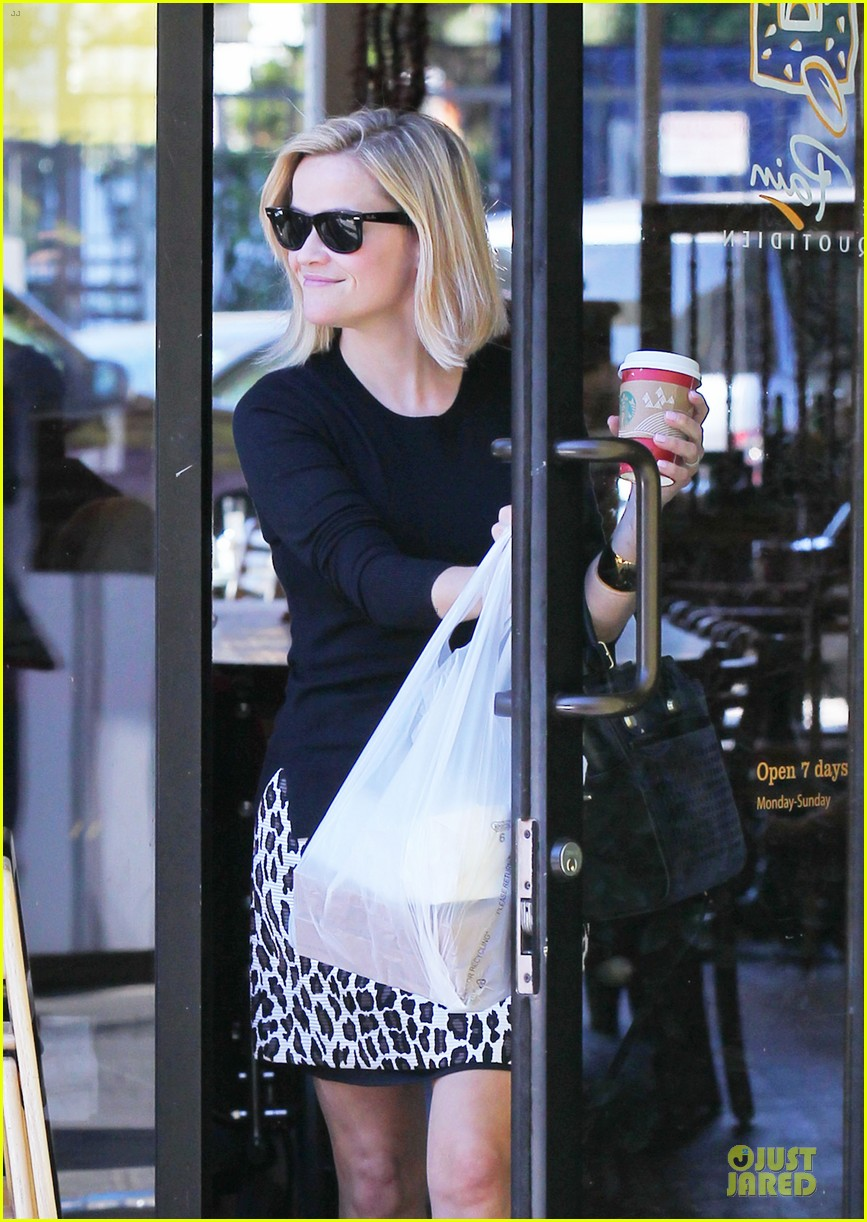 reese witherspoon wild lunch before christmas 06