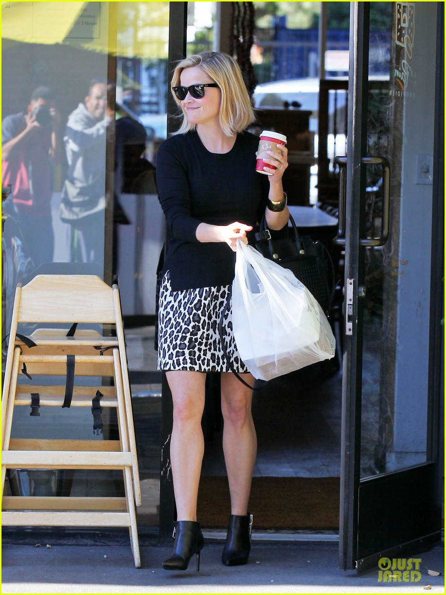 reese witherspoon wild lunch before christmas 083016744