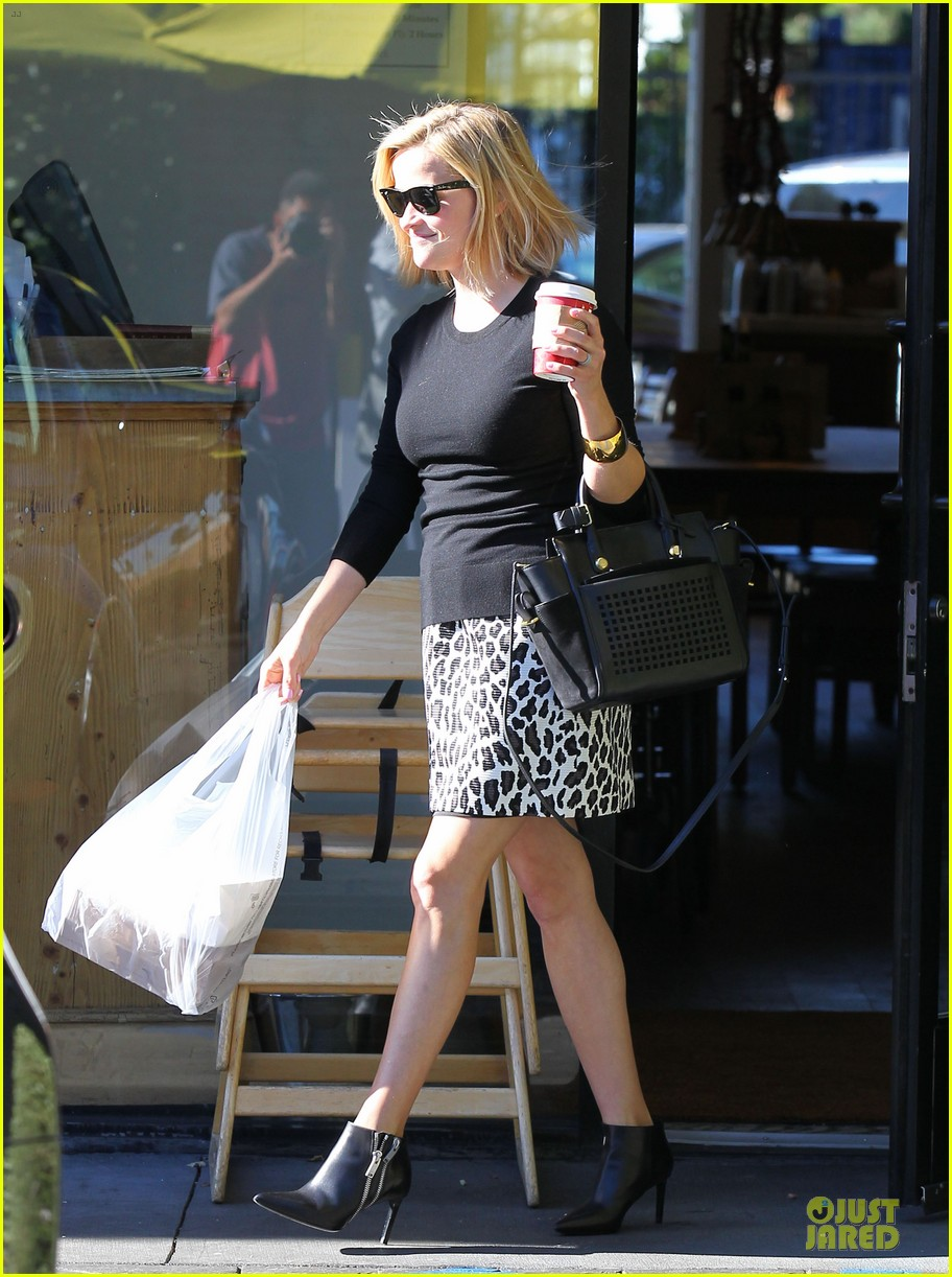 reese witherspoon wild lunch before christmas 093016745