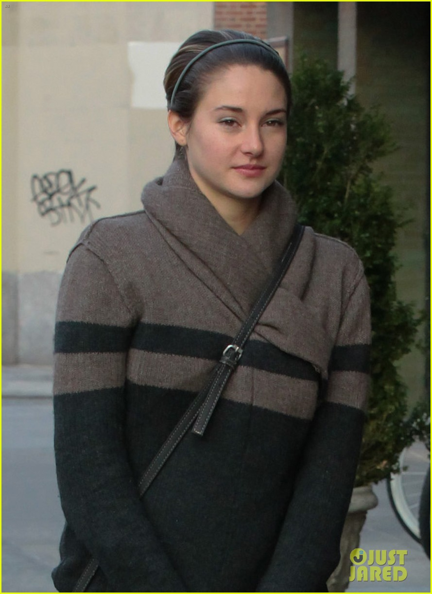 shailene woodley jared leto hang out in new york city 063005226