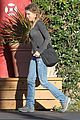 renee zellweger post christmas lunch with her parents 03