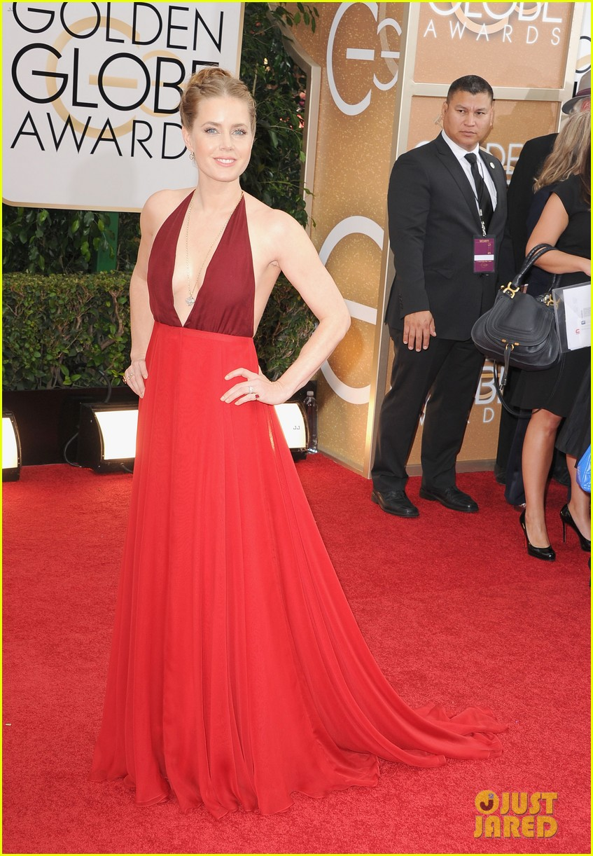 amy adams golden globes 2014 red carpet 053029185