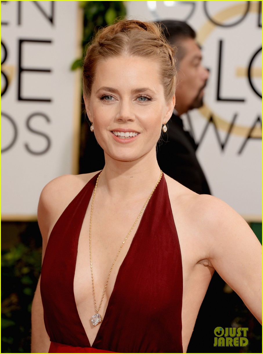 amy adams golden globes 2014 red carpet 083029188