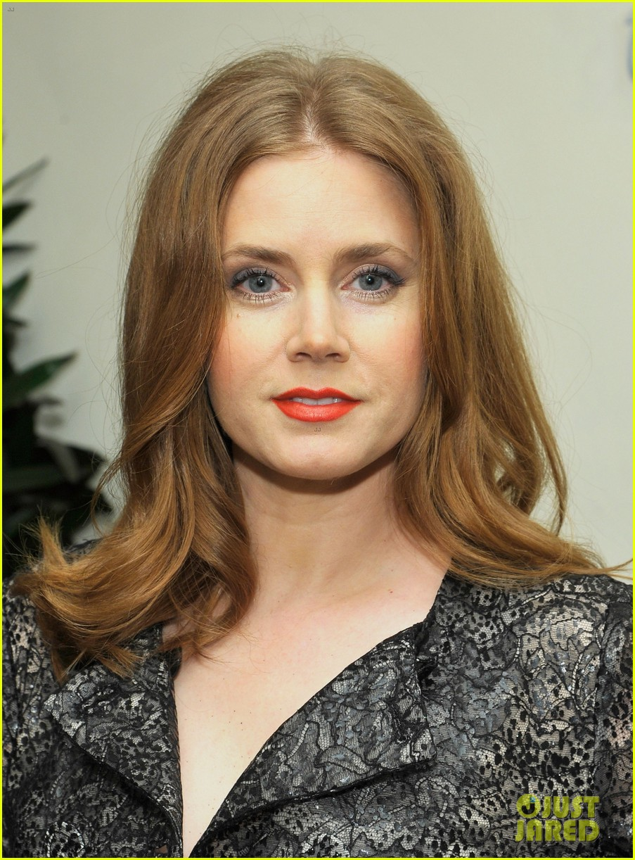 amy adams lupita nyongo kick off golden globes weekend 023026776