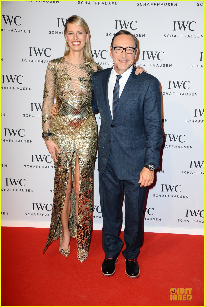 adriana lima karolina kurkova iwc aquatimer watch launch 033037281