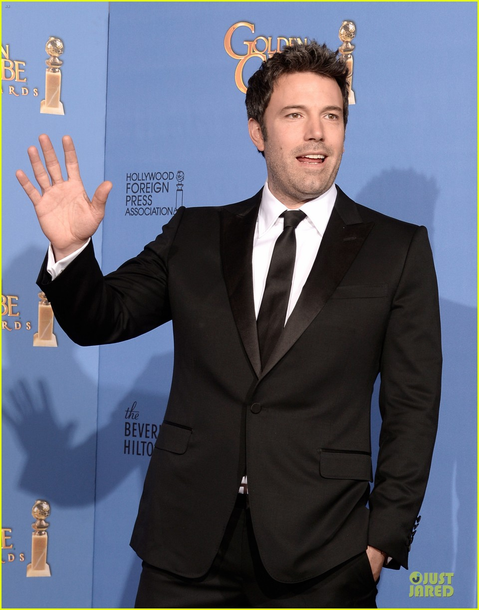 ben affleck golden globes 2014 red carpet 093029651
