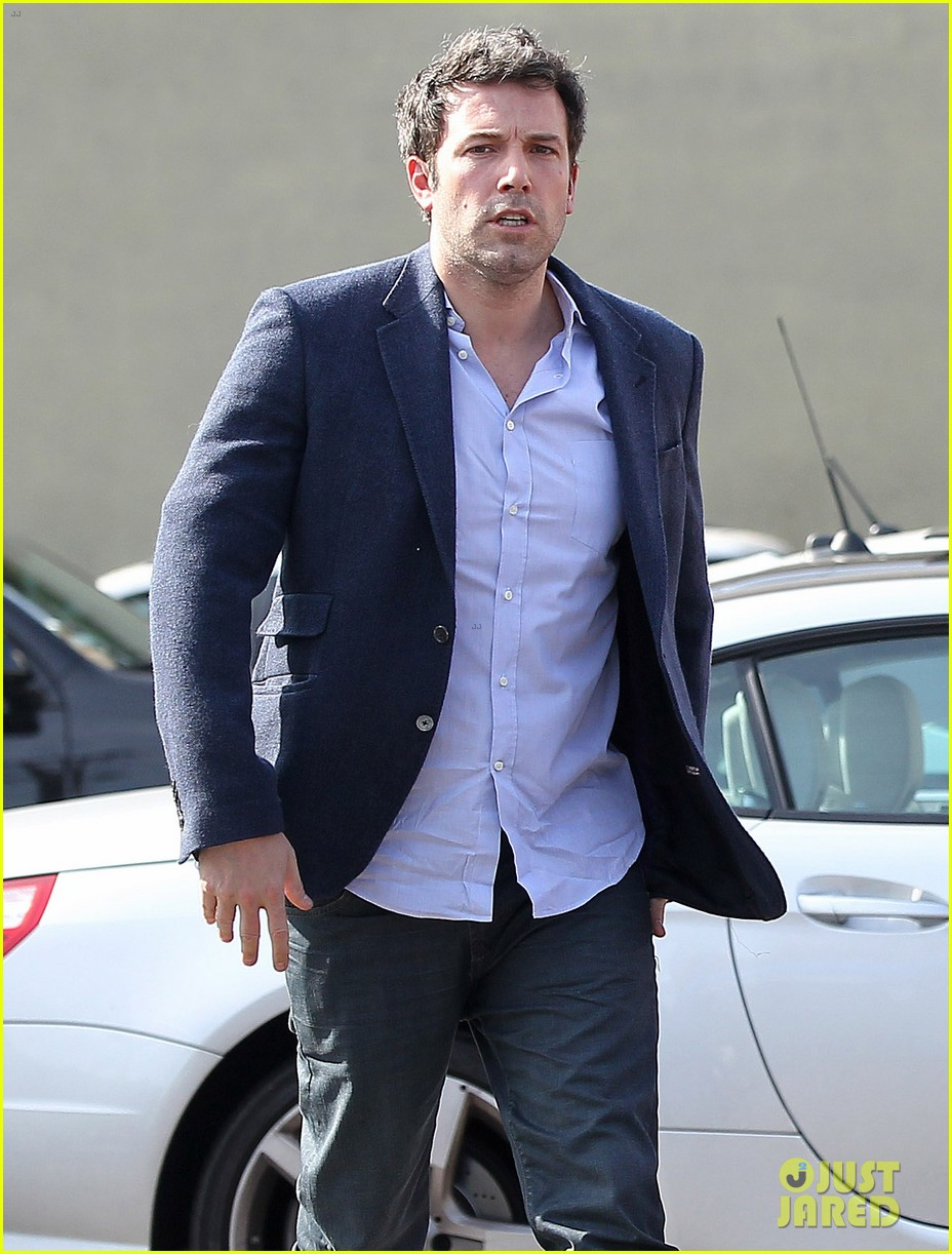 ben affleck steps out after joking about his big dick 093038975