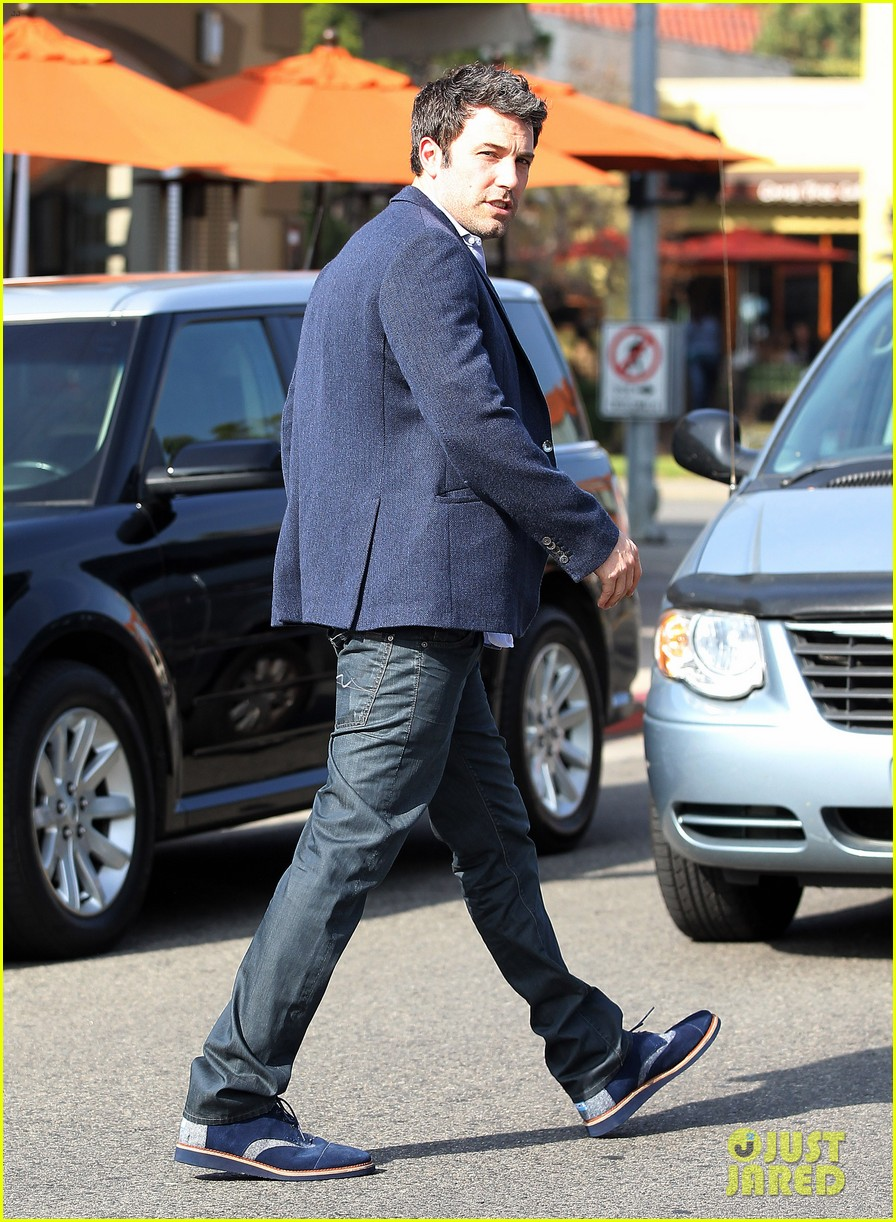 ben affleck steps out after joking about his big dick 133038979