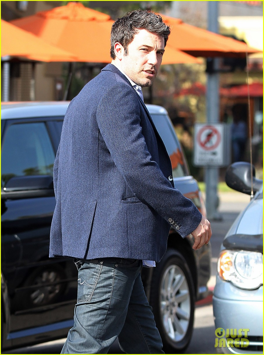 ben affleck steps out after joking about his big dick 143038980