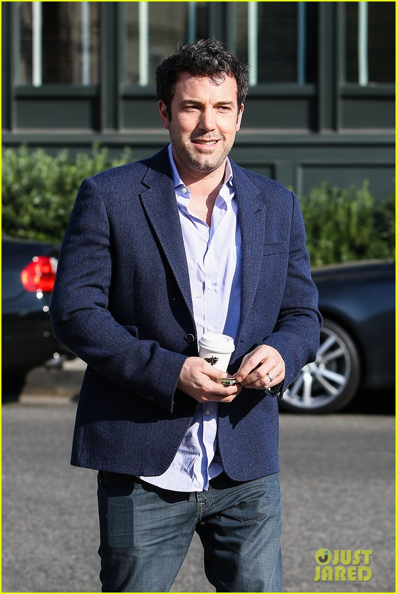 ben affleck steps out after joking about his big dick 20