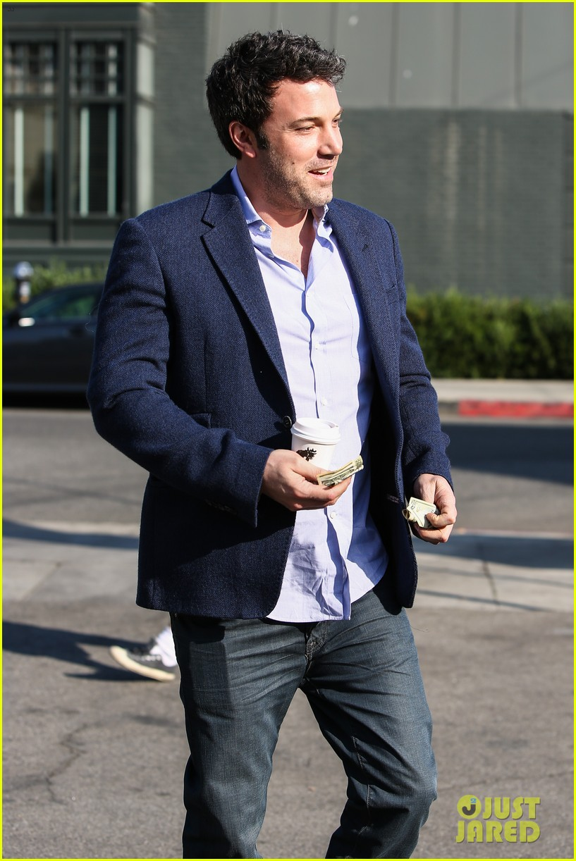 ben affleck steps out after joking about his big dick 213038987