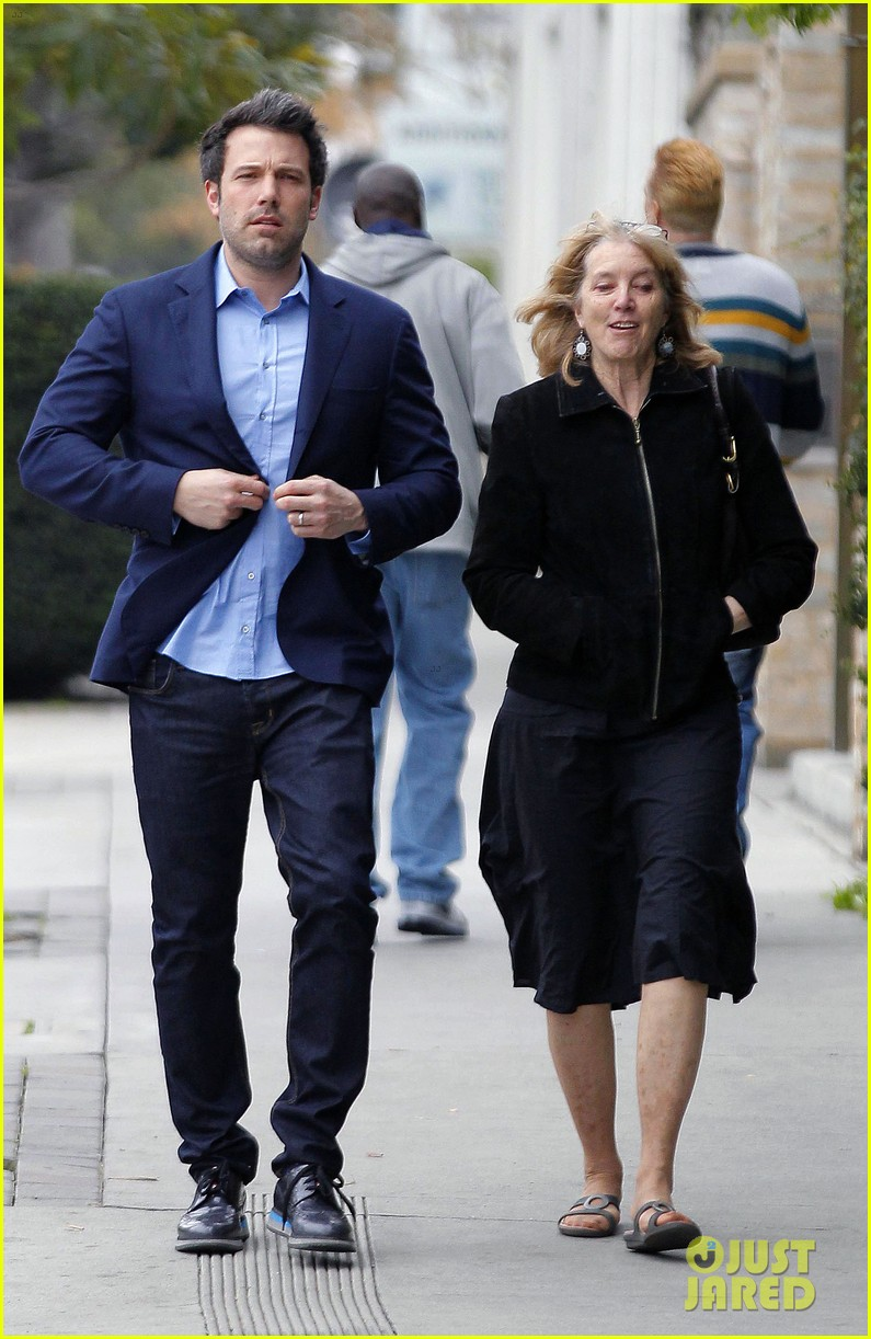 ben affleck is a mommas boy takes mom to the theater 073044560