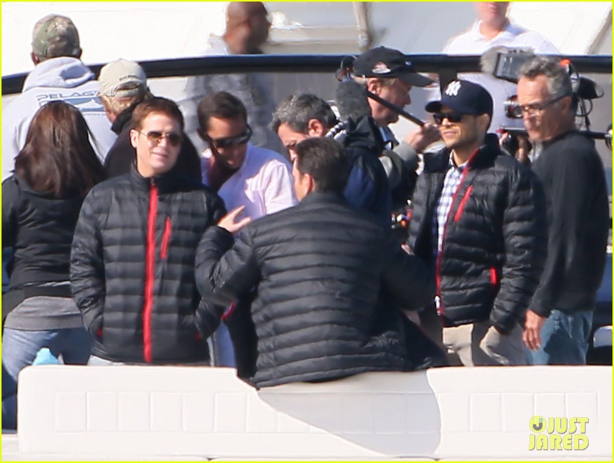nina agdal joins entourage guys on set for yacht scene 023033691
